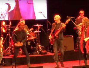 Mira a miembros de Pearl Jam y Red Hot Chili Peppers tocar un cover de Depeche Mode